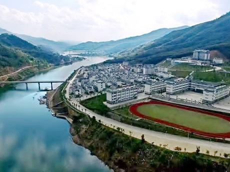 益智:库区山水旅游小镇初现雏形