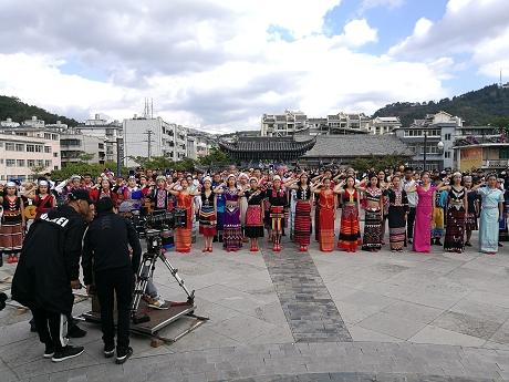 电视剧《召存信》在普洱民族团结园取景