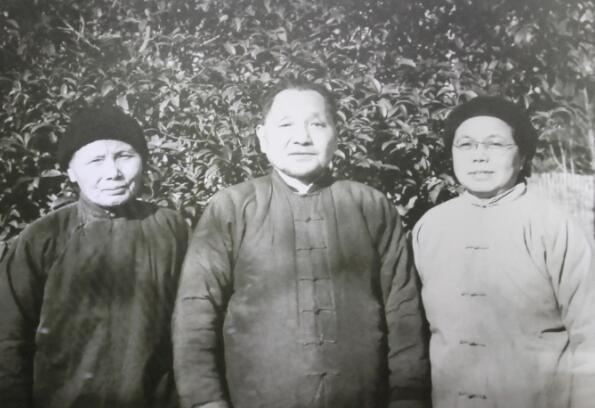 中国青年网|档案君|小平小道:浓浓真情,改革初心