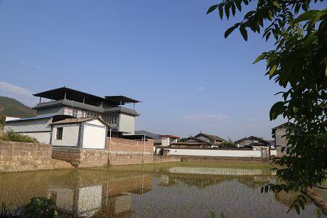 推进乡村振兴建设美丽家园