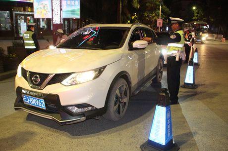 普洱交警整治涉牌涉证严重交通违法行为