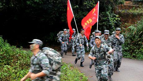 思茅区:组织民兵长途拉练