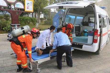 宁洱县:军地联合开展抗震救灾综合演练