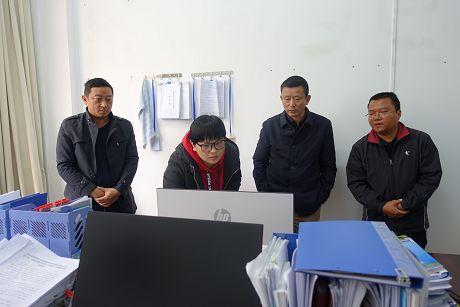 普洱市领导到景谷检查脱贫攻坚工作