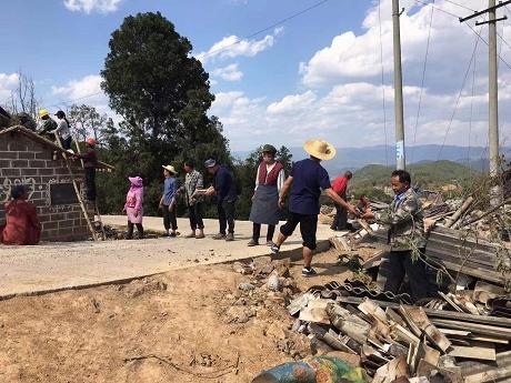 联珠镇:贫困户住进了新房子