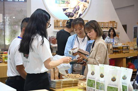 乐虎国际娱乐官网绿色食品商洽会上受青睐