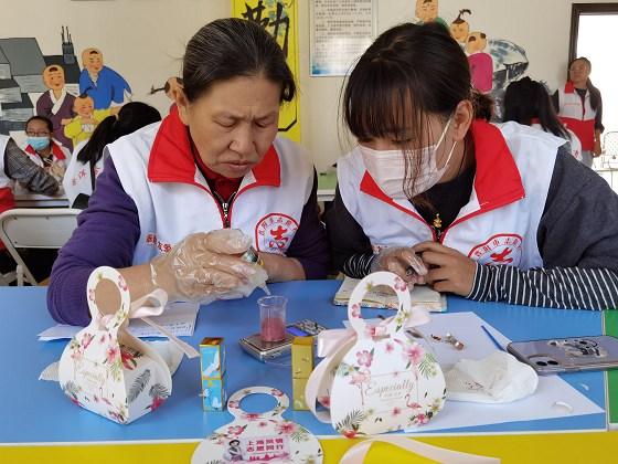 上海普洱志愿者进行志愿服务创新沙龙交流